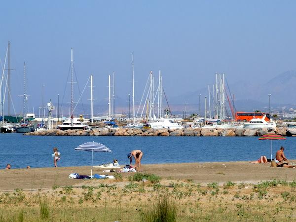 Пляж, Ретимно