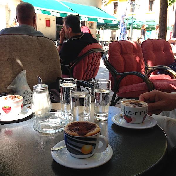 Цетинье, кафе Antib